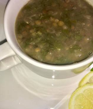 green lentil and spinach soup